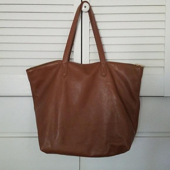20b0bbe9dd55c Cuyana Handbags - Cuyana Classic Leather Zipper Tote, Chestnut